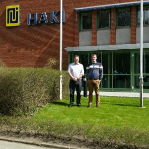 Utanför HAKI:s huvudkontor med Kjell Sundlin