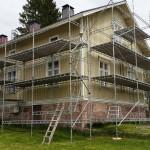 Målning av huset sommaren 2015. Ställningens storlek: 21m x 5m